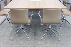 © MOI | sala de reuniones Vidyenol | www.moi.es | mobiliario equipamiento fotografia