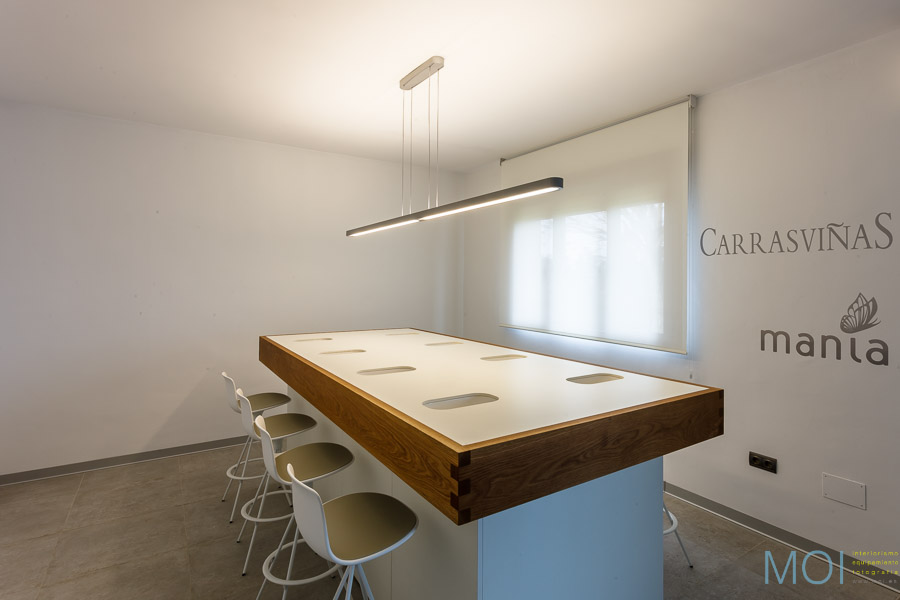 © MOI interiorismo y equipamiento SL www.moi.es
